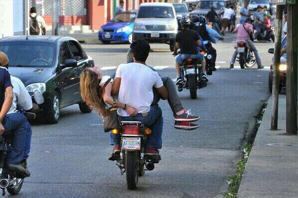 Foto tomada de http://runrun.es/diploos/103467/editorial-la-nacion-venezuela-protestas-tragicas.html