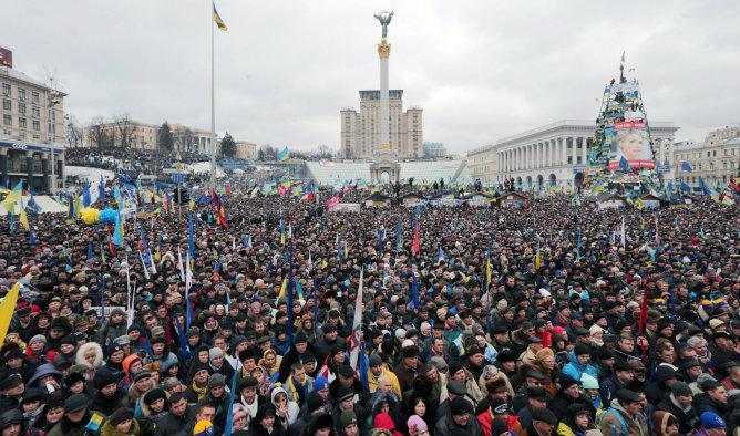Protestas en Kiev, foto tomada de http://www.cadenaser.com/internacional/articulo/oposicion-insta-mantener-presion-presidente-ucrania/csrcsrpor/20131208csrcsrint_7/Tes