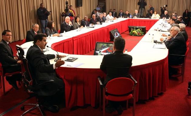 Foto tomada de http://runrun.es/economia/112438/la-mud-le-lavo-la-cara.html