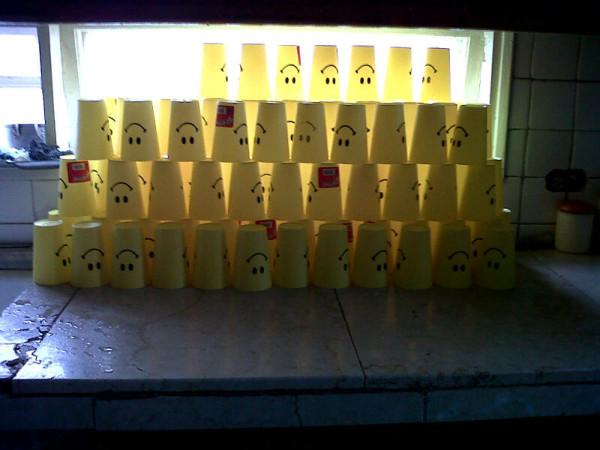 Los vasos   del Festival CLIC reproducen nuestras sonrisas