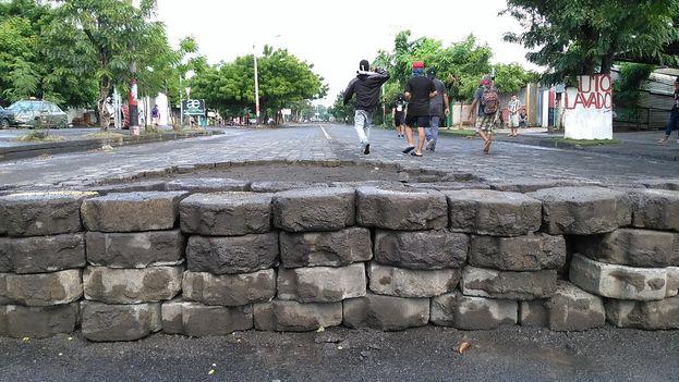 No son sólo las carreteras de Nicaragua las que están bloqueadas, es el país y sus instituciones el que vive un tranque permanente. (@CafeconVozNi)