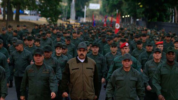 Nicolás Maduro el pasado día 2 de mayo rodeado de militares. (NicolasMaduro)