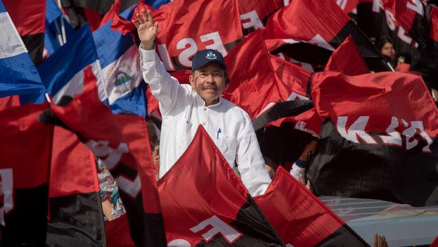 """""""Muchos de los que hoy en día se oponen a Ortega-Murillo, y hasta son sus víctimas, fueron parte del movimiento, como una enorme cantidad de gente que en su momento actuó por principio y decencia"""".(Carlos Herrera/Niú)"""