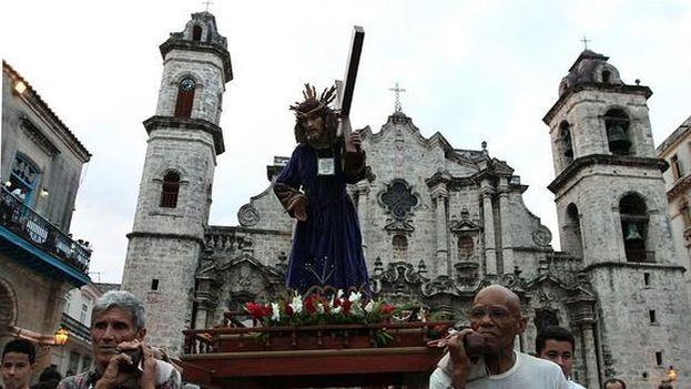 Procesión del Vía Crucis en La Habana en la Semana Santa del 2012. (EFE)