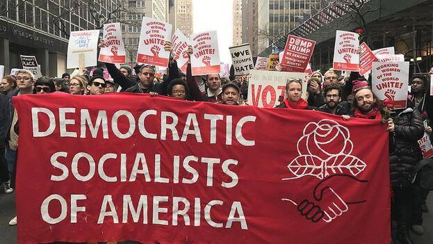 """El uso del adjetivo """"democrático"""" sirve para camuflar el abismal fracaso moral, político y económico del socialismo. (dsausa.org)"""