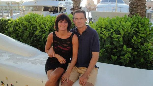Amanda junto a su marido (Foto de su archivo personal)