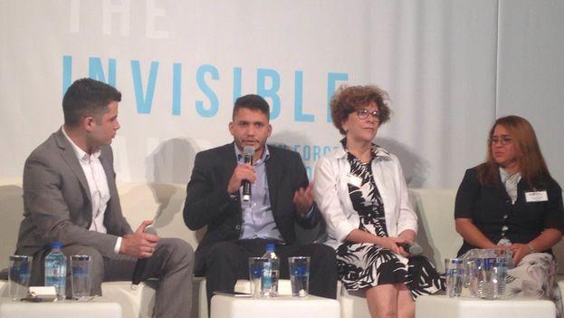 Un panel del Cuba Internet Freedom, que se celebra desde este lunes en Miami. (14ymedio)