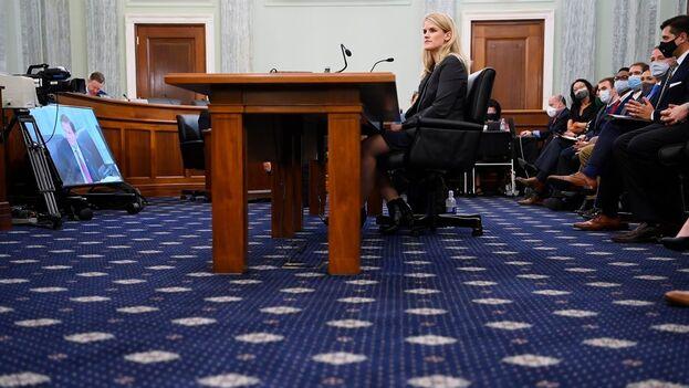 """El portavoz de Facebook Joe Osborne insistió en que la delatora, Frances Haugen, """"no conoce"""" de lo que habla. (EFE)"""