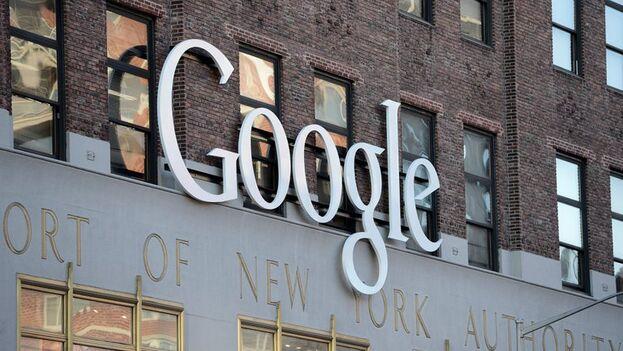 """La información de soporte de Google estipula que """"de acuerdo con las leyes de exportación de los EE UU, es posible que las transferencias de aplicaciones de Google Play a países embargados estén prohibidas"""". (EFE/Andrew Gombert/Archivo)"""