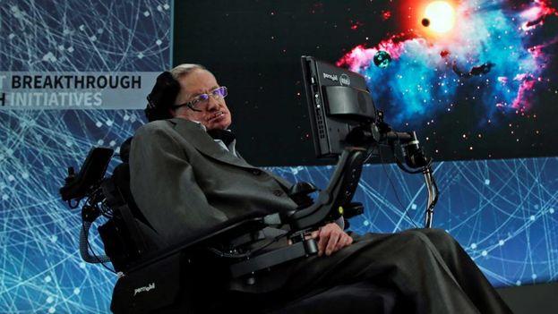 Hawking murió la semana pasada en Cambridge (Inglaterra), tras haber sufrido desde 1964 una enfermedad neurodegenerativa que le dejó inmóvil. (EFE)