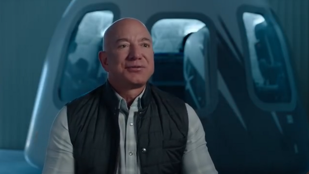 El multimillonario Jeff Bezos contó en su cuenta de Instagram su próximo viaje al espacio. (Captura)