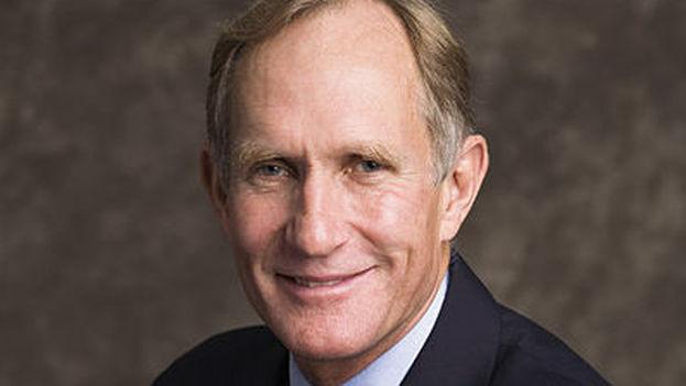 Peter Courtland Agre es ahora miembro de la Academia de Ciencia de Cuba. (wikipedia)