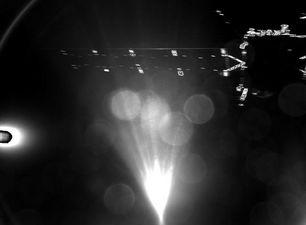 La primera imagen enviada por Philae tras separarse de la sonda Rosetta. (ESA)
