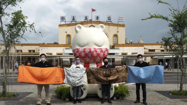 Taiwán combinó políticas basadas en casos como la cuarentena con políticas de población como las mascarillas para luchar contra el covid-19. (David Chang)