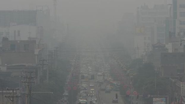 Vista de una de las calles principales de Linfen (China), que ha sido nombrada por algunas organizaciones como la ciudad más contaminada del mundo. / Sheila