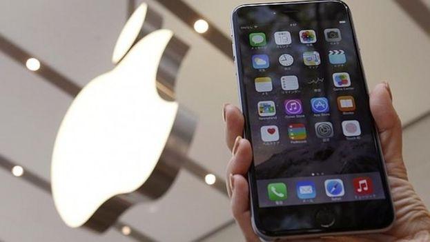 Un iPhone de la empresa Apple. (EFE)