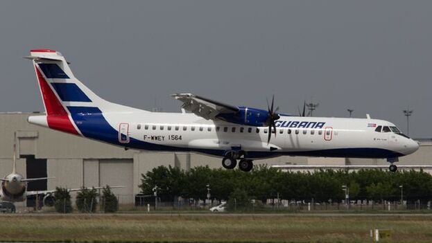 Este es uno de los dos ATR 72-600 que llevaba ya los colores de Cubana de Aviación antes de la cancelación del contrato. Foto tomada en junio de 2019 durante los vuelos de formación de la tripulación en el aeropuerto de Toulouse. (Jean-Claude Mauran)