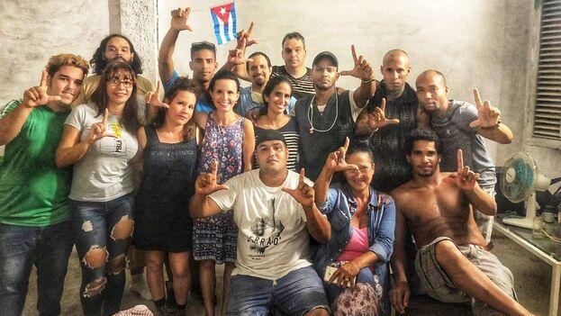 Activistas del Movimiento San Isidro en la sede de la organización, en La Habana Vieja, el pasado noviembre. (MSI)