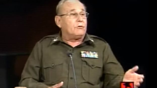 El general de brigada, Adalberto Rabeiro García, durante una intervención en el programa Mesa Redonda. (Captura de pantalla)