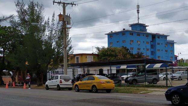 Agencia de autos usados perteneciente a Cimex de la calle 20, en el municipio Playa, en La Habana. (14ymedio)