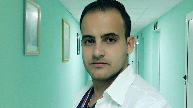Alexander Raúl Pupo Casas, es residente de Neurocirugía en Las Tunas. (Facebook)