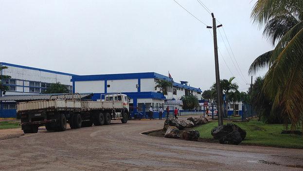 Antigua fábrica de pasta dental Gravi, hoy Jovel, perteneciente a la empresa de capital mixto Suchel.