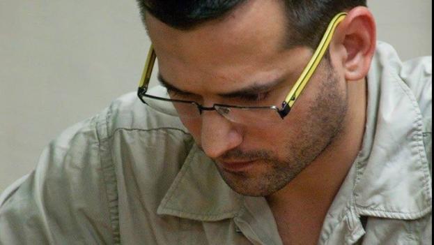 Arián González habla más tranquilo desde Orense, España, donde reside hace años. (Facebook)
