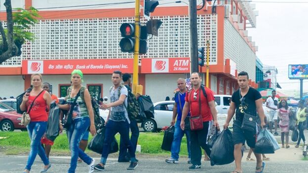 El ministro de Asuntos Jurídicos de Guyana dijo que es importante que Guyana adopte una posición que evite que el país sea utilizado como punto de transbordo de contrabando internacional de personas. (Guyana Chronicle)