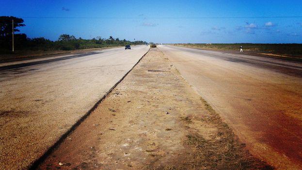 Tramo de la Autopista Nacional entre La Habana y Pinar del Río. (M. Ortega)