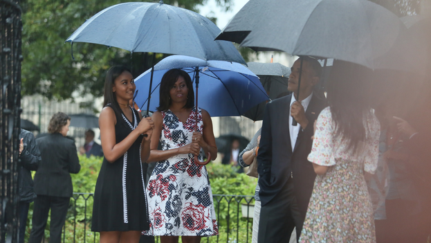 Barack Obama junto a su familia en su recorrido por la Habana Vieja (Yenny Muñoa / CubaMINREX)