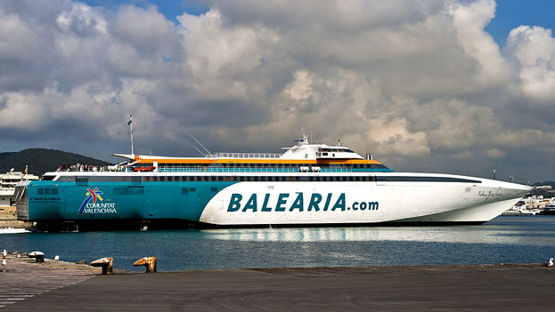 Barco de la naviera valenciana Baleària. (Manolo Gómez/Flickr)