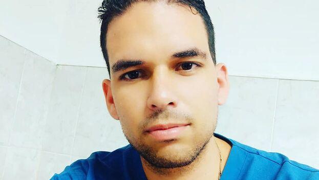 El intensivista Leonel Batista Hierrezuelo tenía 28 años y estaba destinado en Miranda, estado de Trujillo, Venezuela. (Facebook/Leonel Batista)
