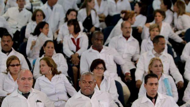 En Brasil trabajan más de 8.300 profesionales cubanos de la salud. (CC)