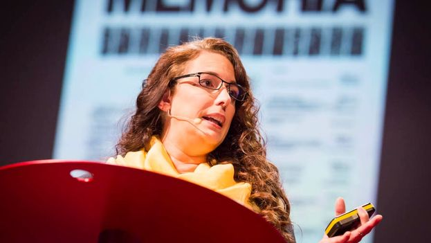 Tania Bruguera en TEDGlobal 2013. (James Duncan Davidson)
