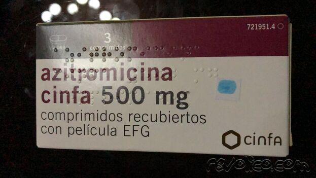 Caja de azitromicina importada de venta en el mercado negro. (14ymedio)