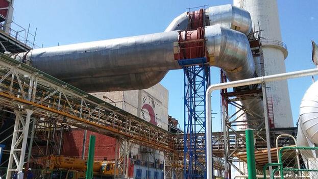 Central termoeléctrica de Felton, en Mayarí, Holguín, una de las que estaba este jueves fuera de servicio. (Prensa Latina)