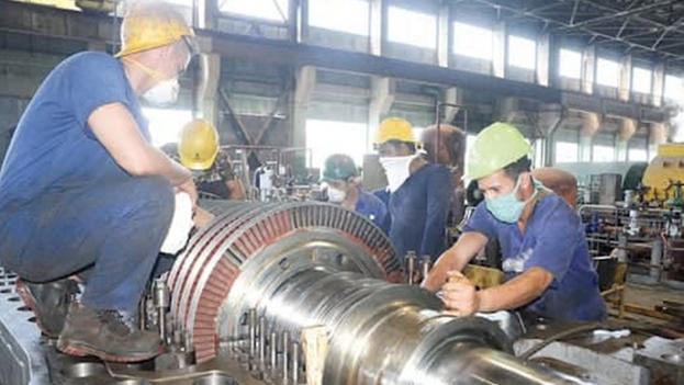La Central Termoeléctrica Máximo Gómez fue construida con tecnología soviética y terminada en 1982. (El Artemiseño)