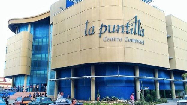 La compra de las manzanas ocurrió en el Centro Comercial La Puntilla que se encuentra situada en el Reparto Miramar, en La Habana.