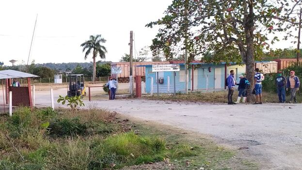 El Centro de Carga del Ferrocarril en Sancti Spíritus, que nutre a la bodega, las tiendas en pesos y las de MLC. (14ymedio)
