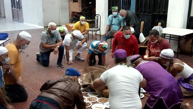 Ceremonias previas de la Letra del Año 2021. (Facebook/Asociación Cultural Yoruba de Cuba)