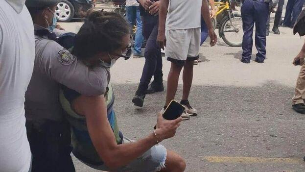 Cientos de cubanos fueron detenidos durante las manifestaciones del 11 de julio. (Facebook)