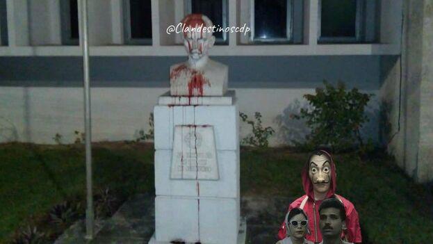 Desde los primeros días de este año, el grupo Clandestinos ha estado difundiendo imágenes de supuestos bustos de José Martí cubierto de sangre ed cerdo. (Twitter)