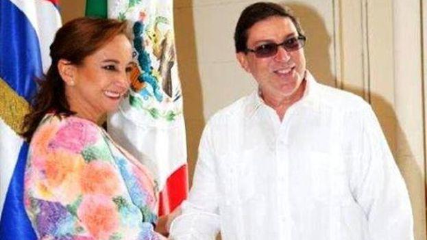 La canciller mexicana, Claudia Ruiz Massieu, durante su encuentro en la Isla con su homólogo cubano, Bruno Rodríguez. (Minrex)