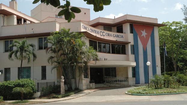 Clínica Cira García en la que los cirujanos reciben formación para aplicar una novedosa técnica de implantación de prótesis de pene. (Sistema de Salud)