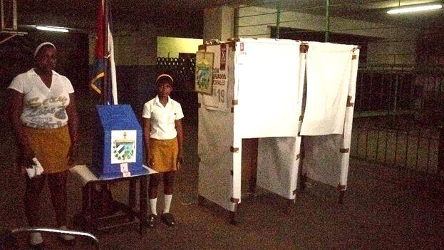 Colegios electorales en Cuba. (14ymedio)