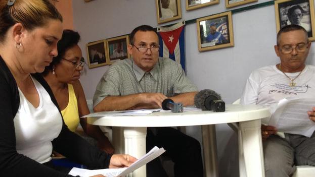 Joanna Columbié, Eroisis González, José Daniel Ferrer y Rolando Ferrer en la presentación del programa de la MUAD. (14ymedio)