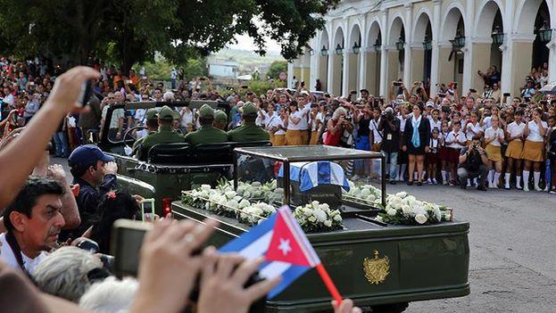 Comitiva fúnebre que transporta los restos de Fidel Castro. (EFE)