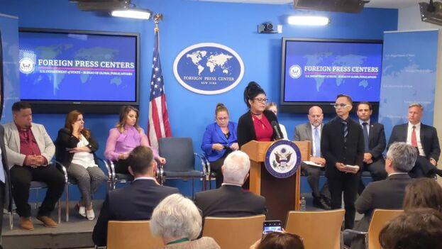 Conferencia de prensa en Nueva York de los médicos cubanos que han denunciado al Gobierno de La Habana.