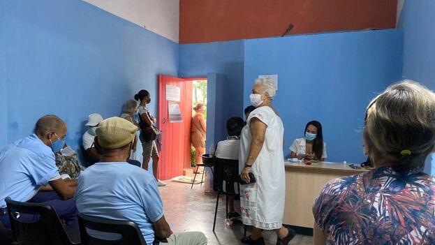 Consultorio de Nuevo Vedado, La Habana, donde se aplica masivamente el candidato vacunal Abdala. (14ymedio)