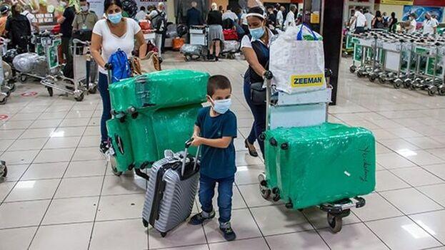 Hasta ahora, los únicos viajeros que llegaban a Cuba que tenían restricciones de equipaje eran los que entraban por los aeropuertos de Varadero o Cayo Coco. (Cubadebate)